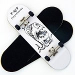Republic Peoples P-rep Alien Brain 30MM Graphic Complete Wooden Fingerboard W Cnc Lathed Bearing Wheels