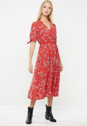 Revenge Tie Sleeve Midi Floral Dress - Red