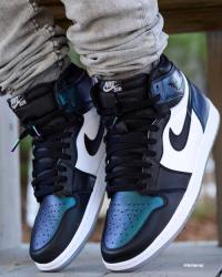 Deals on Nike Air-jordan Retro 1 High