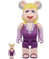 The Muppets: Miss Piggy 100% & 400% Bearbrick 2 Pack