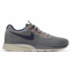 Nike Size 6.5 Womens Tanjun Racer in Grey