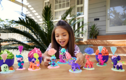 Dino Baby Crystals Glow Series Surprise Pet With Slime Or Sand