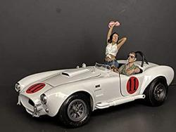 USA Seated Couple Release Iv 2 Piece Figurine Set For 1 18 Scale Models By American Diorama 38219 38220